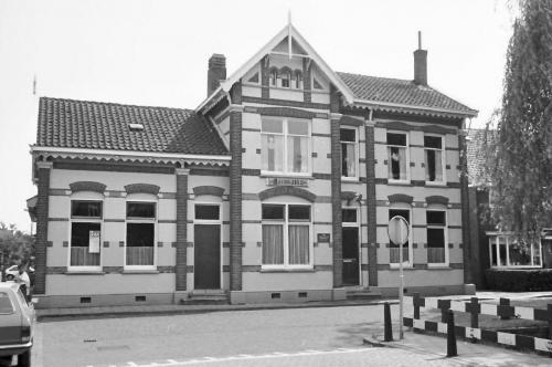 Voormalig Badhuis aan de Parkstraat 25 in 1965