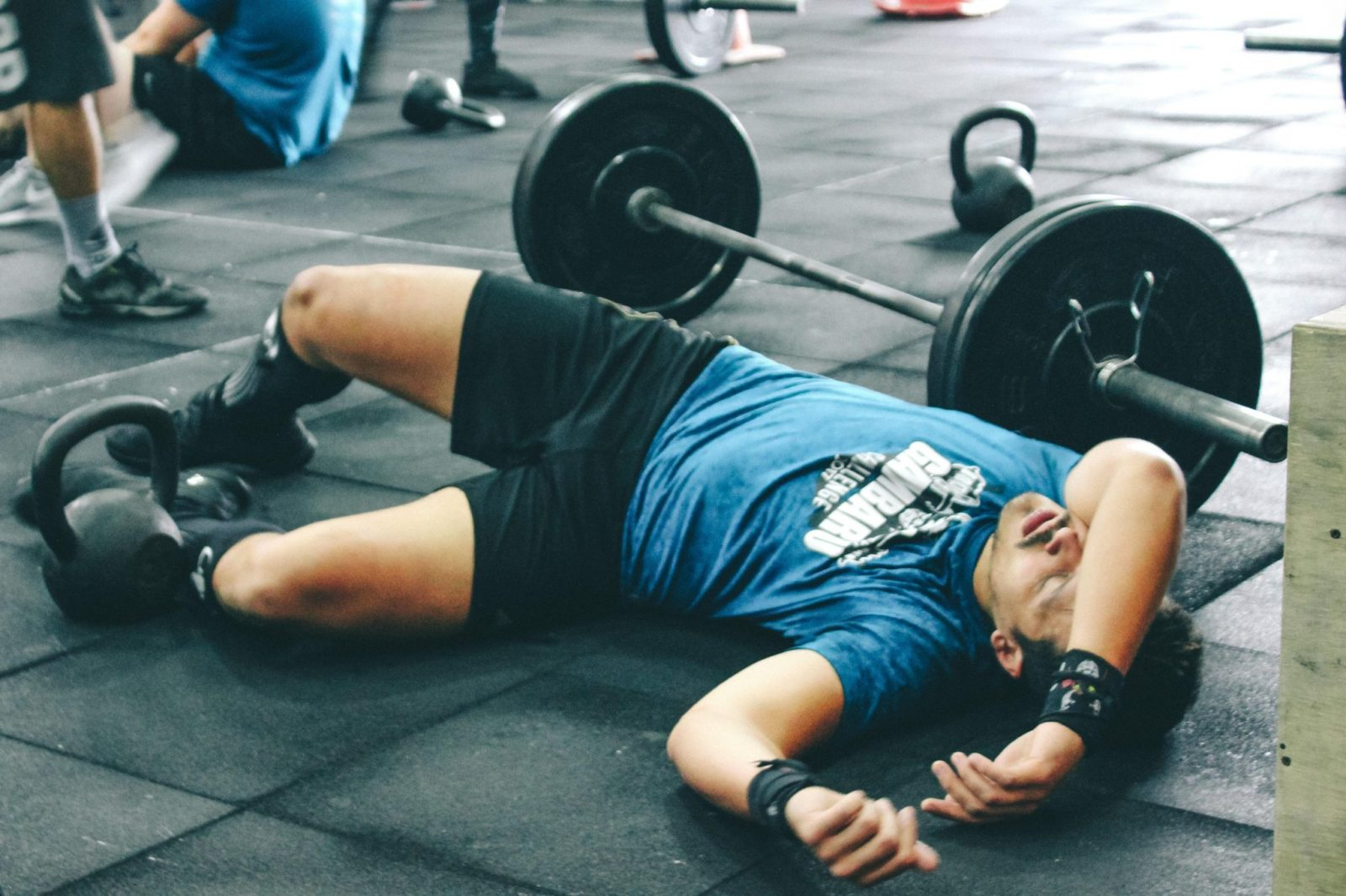 photo-homme-musculation-apprentissage-repos