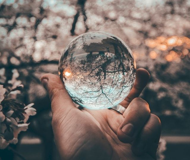 boule-de-verre-reflet-origine-