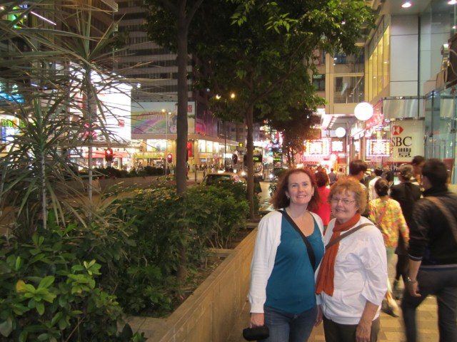 Nathan Rd, after our visit to Temple Market