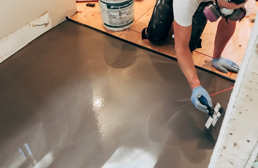 Levelling an Uneven Floor before Tiling