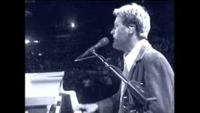 Photo of Michael W Smith – Awesome God
