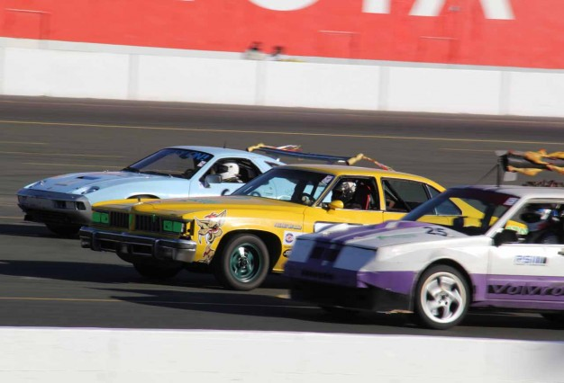 LeMons Sears Point Madhouse: Long-Distance Haulers, Big Detroit Iron, 944 Leads