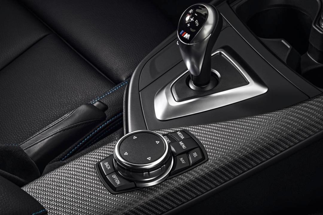 BMW_M2_shift