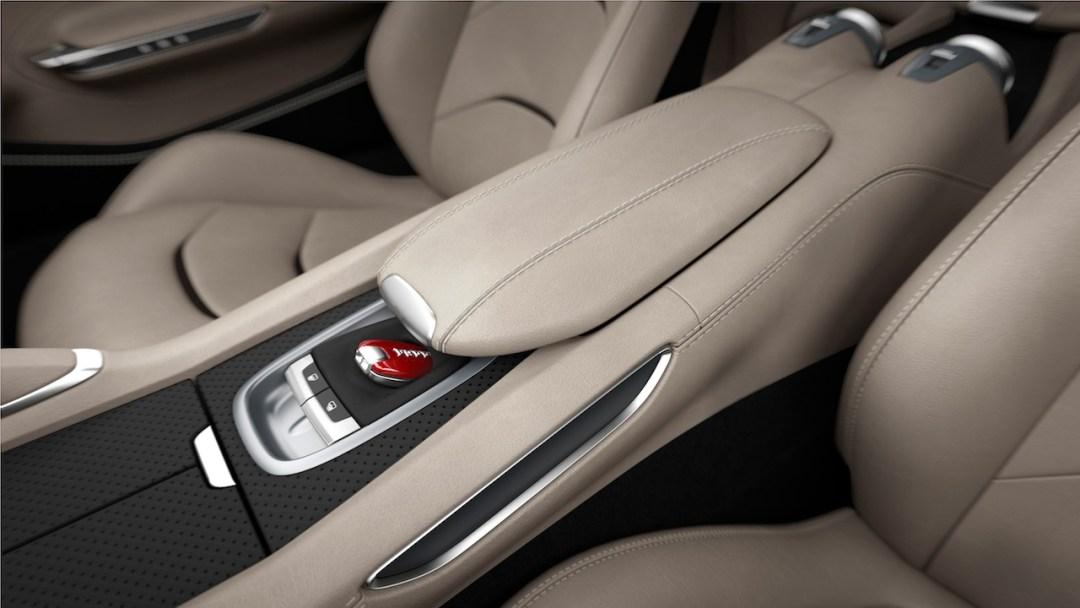 Ferrari_GTC4Lusso_central_console