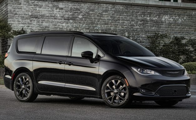 Mean-i-van: Chrysler Pacifica Goes Dark with New S Appearance Package