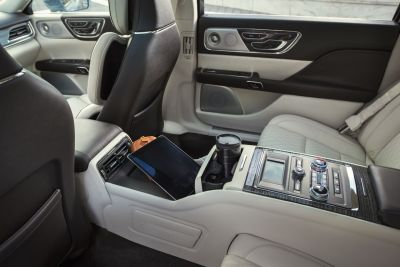 LincolnContinental-CoachDoors_HR_18