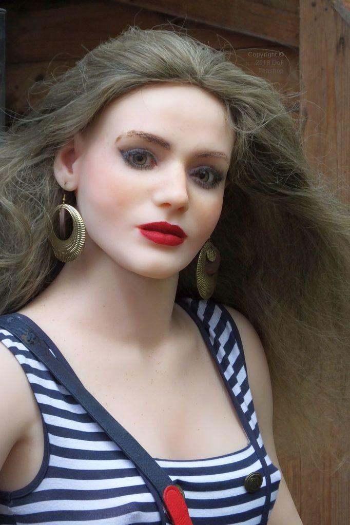 Faina (Anatomical Doll body 4, Aurora head)