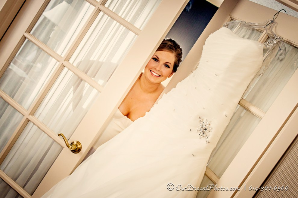 Girls getting ready before the wedding of Sara Greene and Jake Heaberlin at the Sheraton Suites Columbus Saturday, August 3, 2013. (© Abigail L. Grove   http://OurDreamPhotos.com   614-367-6366)  #jakeandsara0803