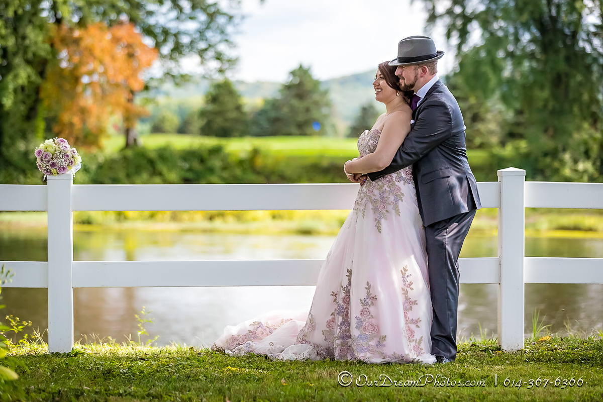 Wedding and reception of Victoria Horosz and Andrew Skaggs photographed Friday, September 15, 2017 at Raven's Glenn Winery. (© James D. DeCamp | http://OurDreamPhotos.com | 614-367-6366)