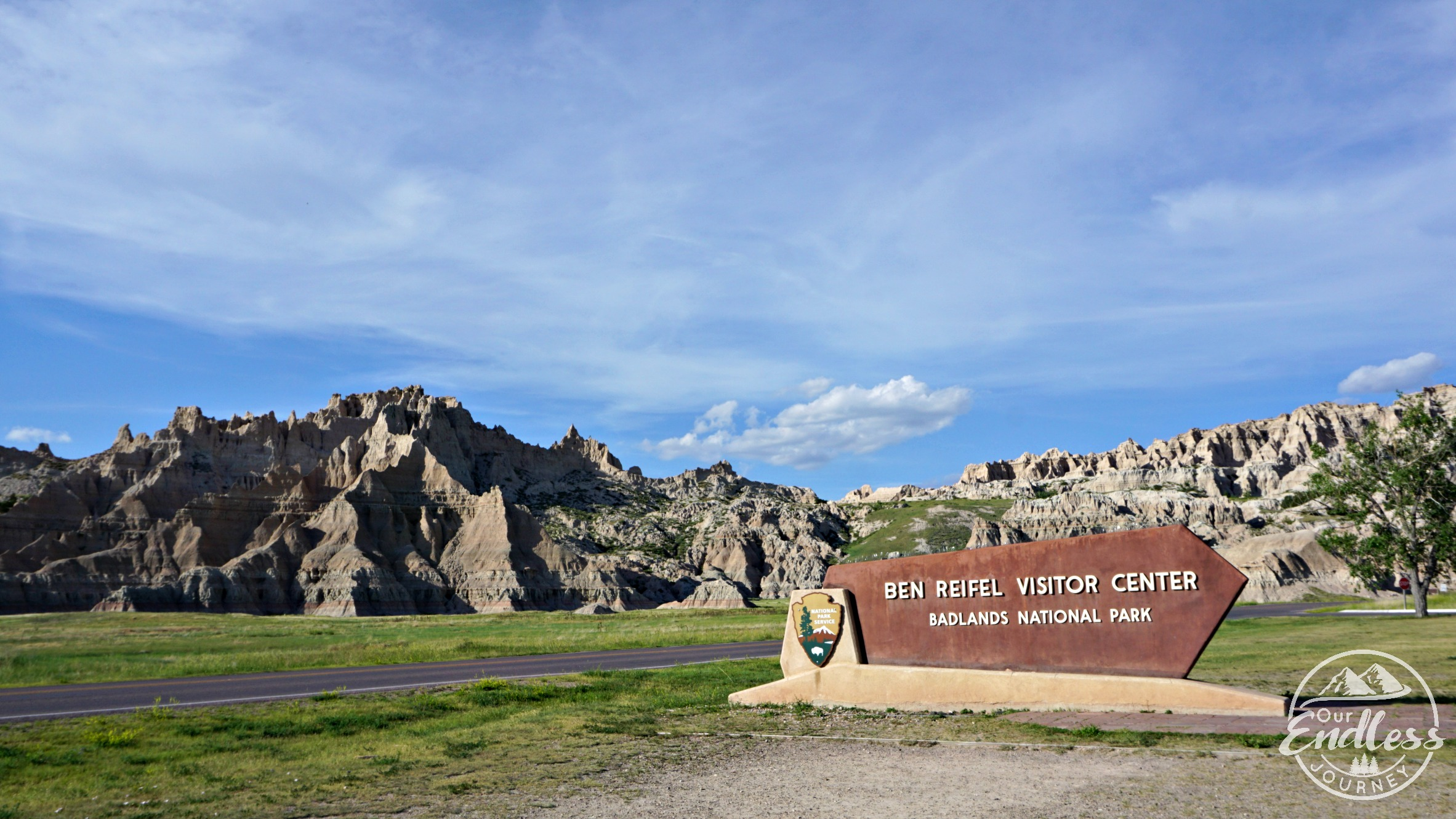 badlands-national-park-windcave-national-park-wall-drug