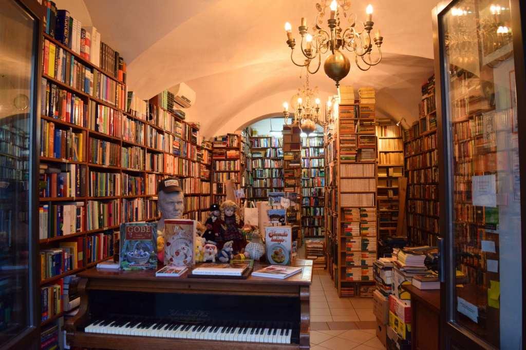 Light Travel Reads, Summer Books