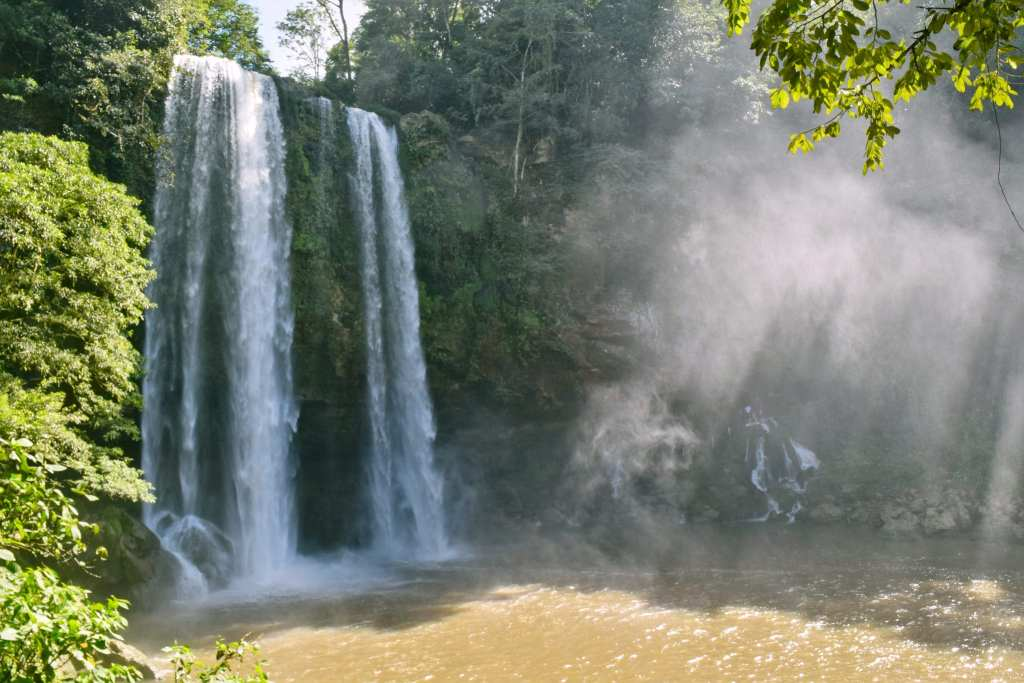 Waterfalls in Mexico Misol-Ha Waterfall, Chiapas, Mexico