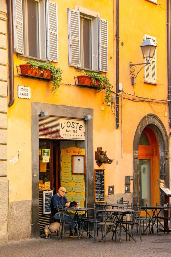 What to Do in Orvieto Italy: Man at Bar