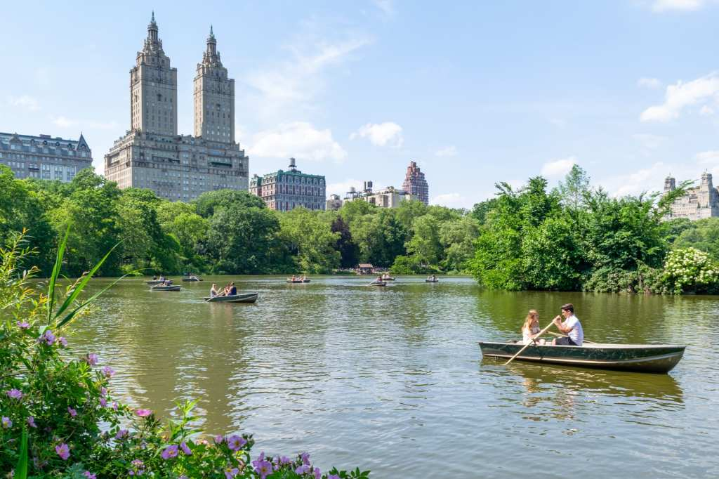 4 Days in New York Itinerary: Rowboat on Central Park Lake