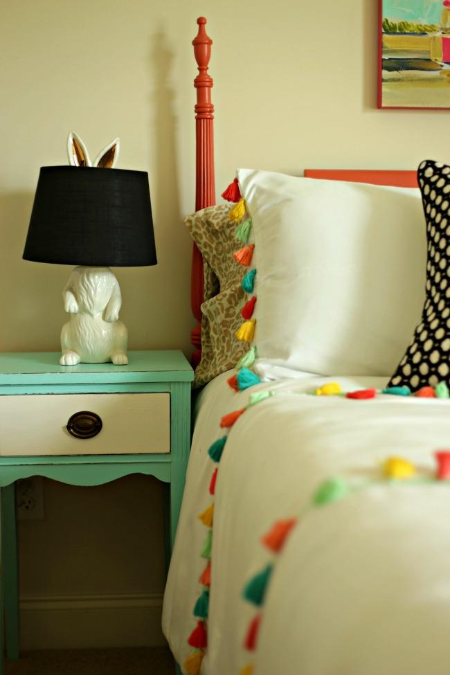 tassels bunny lamp
