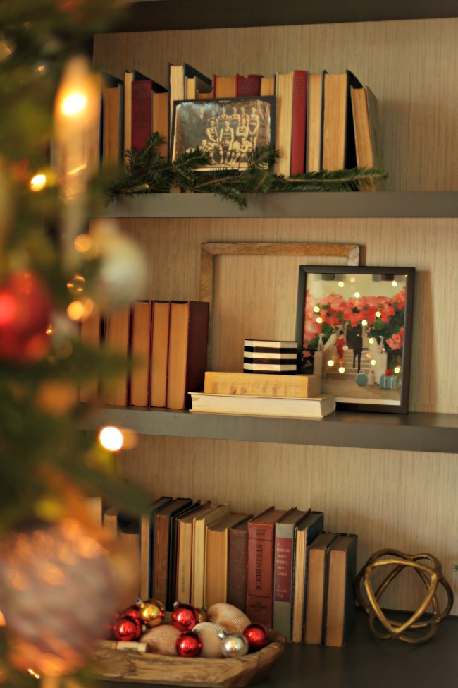 bookshelf holiday styling
