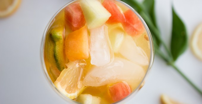 5 Ingredient Sparkling Melon and Citrus Sangria {Sugar-free}