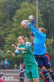 Desirée Schumann (FFC) in action. (But is Garefrekes even jumping? Probably not.)