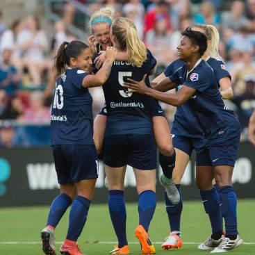The Courage celebrating Kristen Hamilton's goal. (Shane Lardinois)
