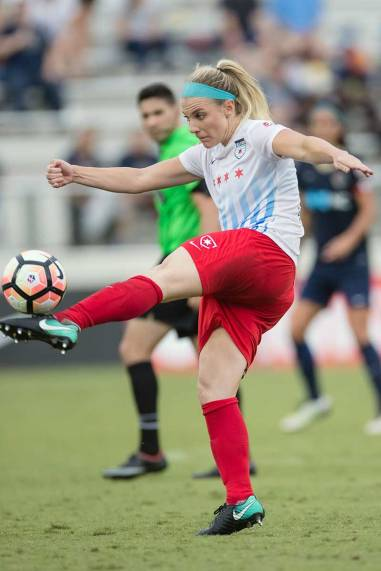 Julie Ertz sends the ball up the field. (Shane Lardinois)