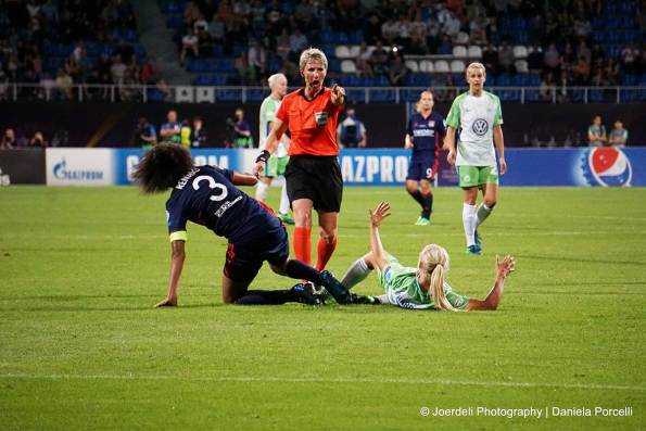 Lyon's Wendie Renard and Wolfsburg's Pernille Harder. (Daniela Porcelli)