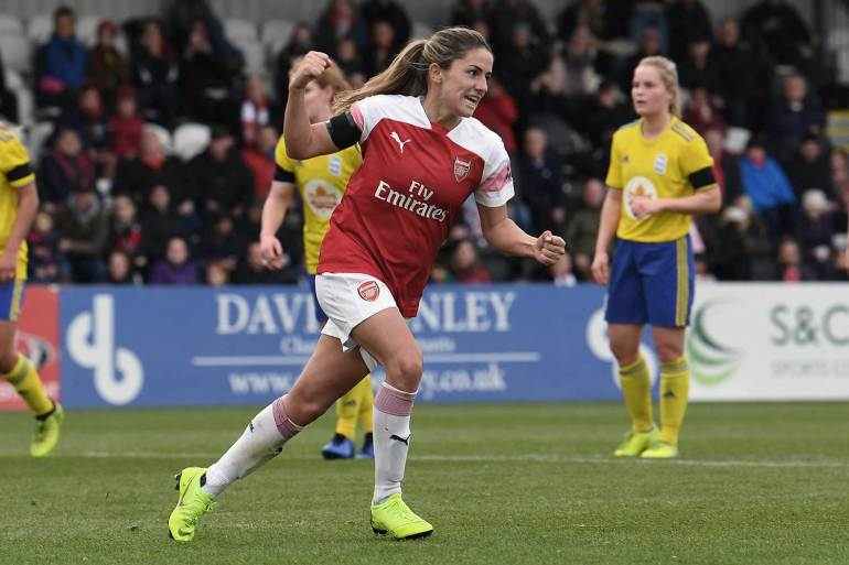 Danielle van de Donk playing for Arsenal (Photo courtesy of David Price of Arsenal Media).
