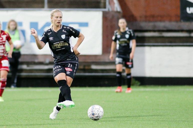 Rebecka Blomqvist playing for Kopparbergs/Goteborg FC. (Per Montini)