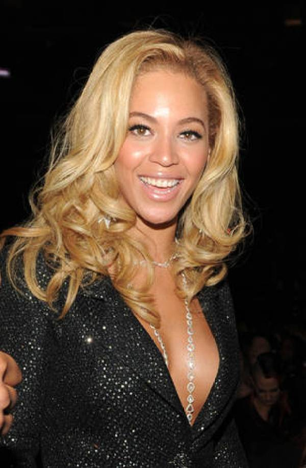 Beyonce Blond Hairstyle