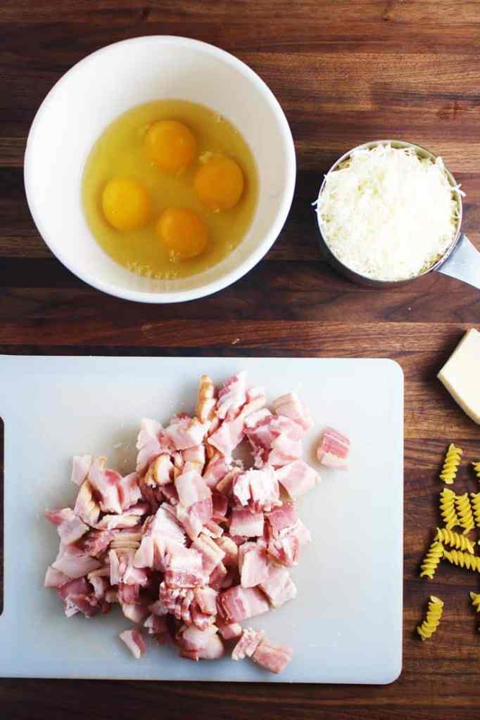 This easy pasta carbonara recipe takes 15 minutes to prepare, and can be either a quick weeknight meal or an elegant dinner!
