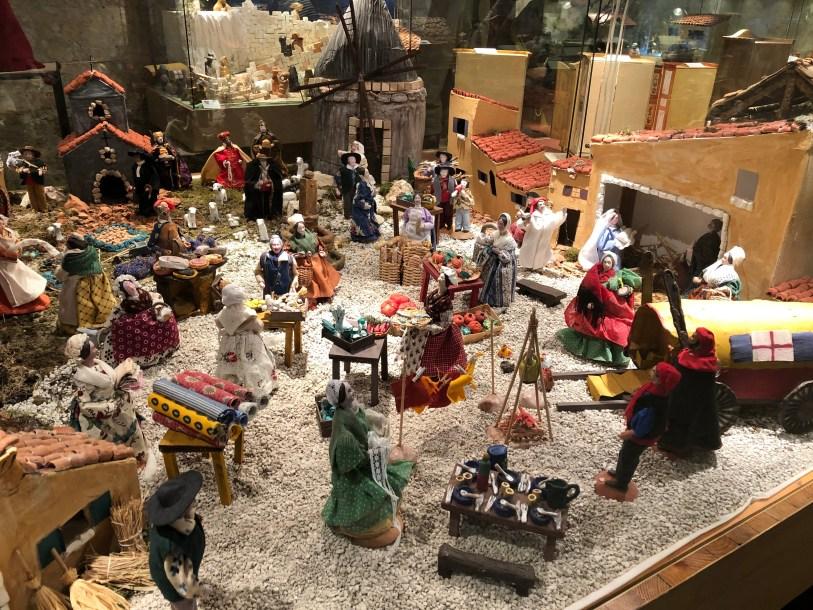 Nativity scenes in Arles