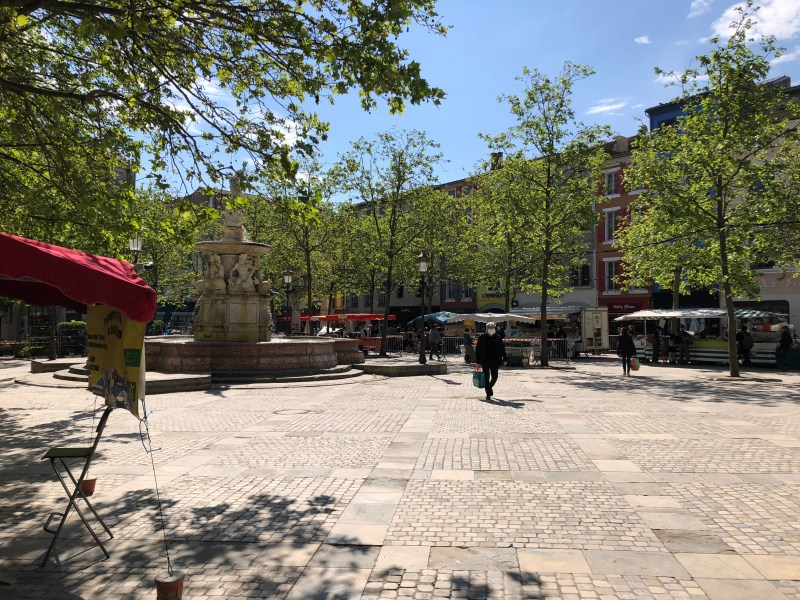 Quiet farmers market on Place Carnot staying home in Carcassonne