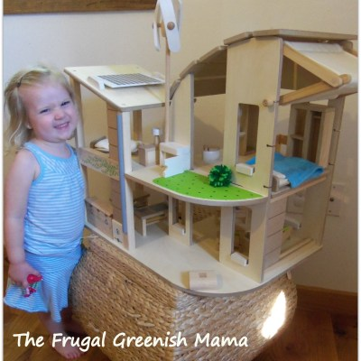 Play Green with the Green Dollhouse from @Plantoysinc #NGFamily