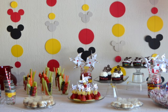 #Disneyside party food cupcakes (1 of 1)