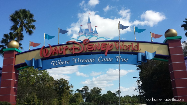wdw-entrance-sign