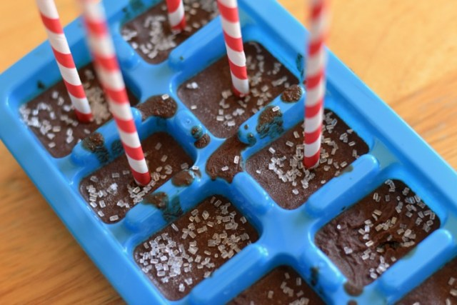 dairy-free-hot-chocolate-cubes-with-sticks