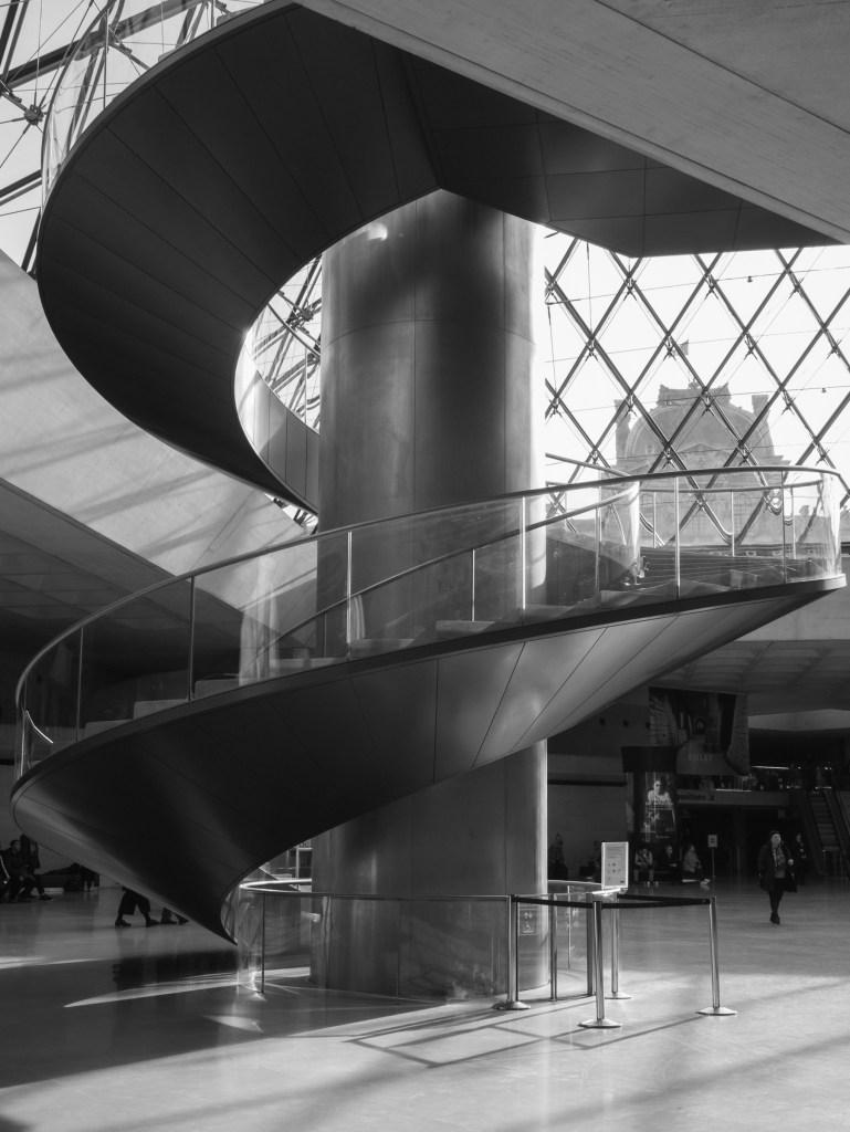 Instagram worthy spots in Paris Louvre