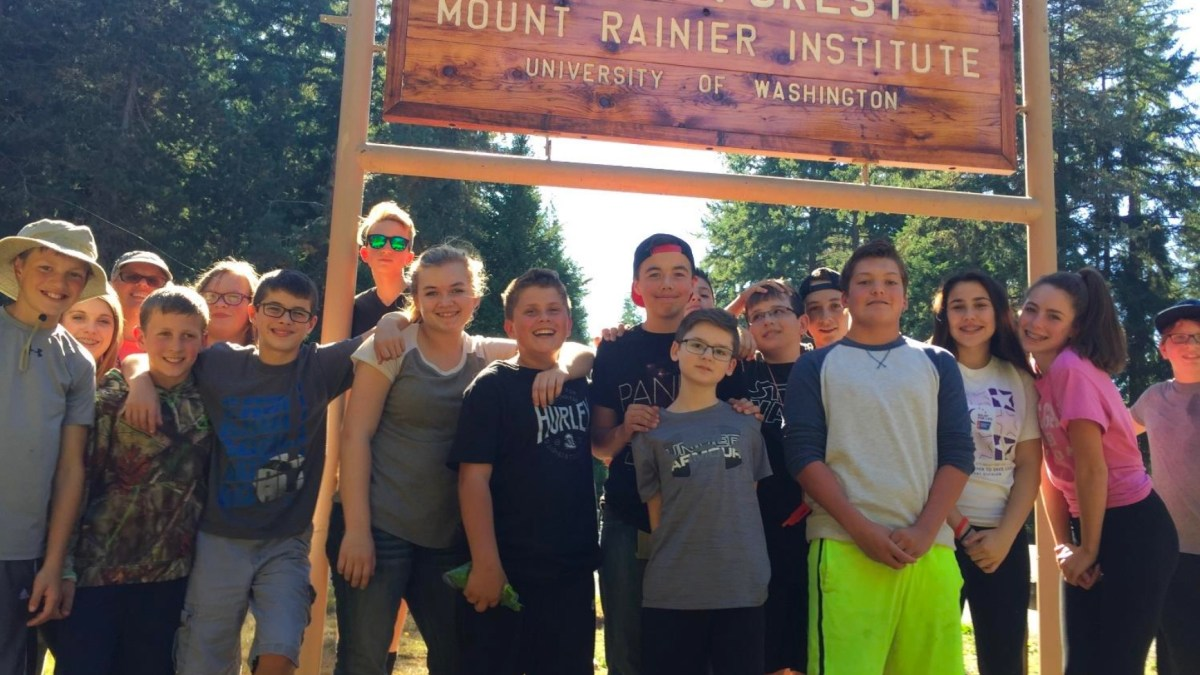 Eatonville Middle Schoolers Take Their Physical Education Outdoors