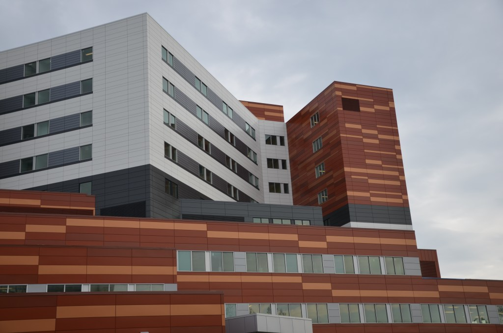 ourmuhc-muhc-superhospital - MUHC fundraising executives earn highest salaries of Montreal hospitals