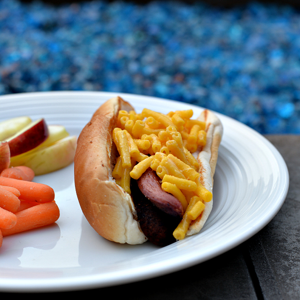 KRAFT Macaroni & Cheese Dinner hot dog