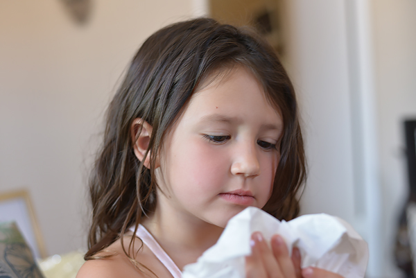 Scotties Tissue Kids Cold Blowing Nose