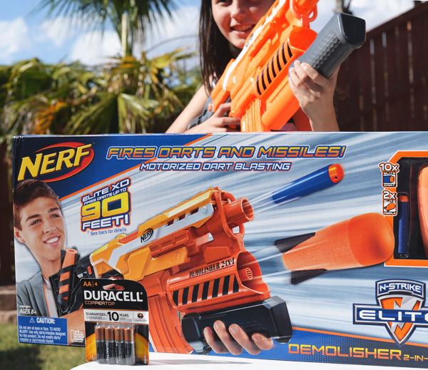 Toys R Us Nerf Elite XD Machine Gun With Clip Gernade Launcher