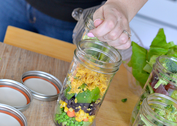 making jar salads