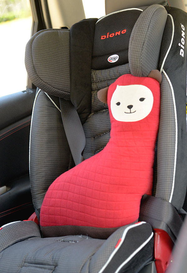 KIDU Hugdoll Booster Seat Belt Holder protector