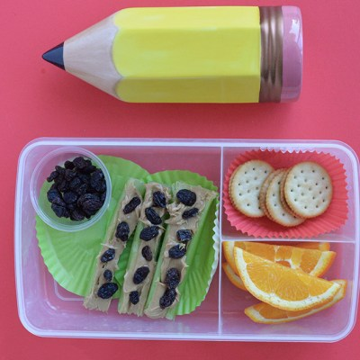 Easy Way To Make Ants On A Log Snacks For School Lunchboxes