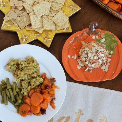 Easy Thanksgiving Tablescape with Harvest Stone Crackers