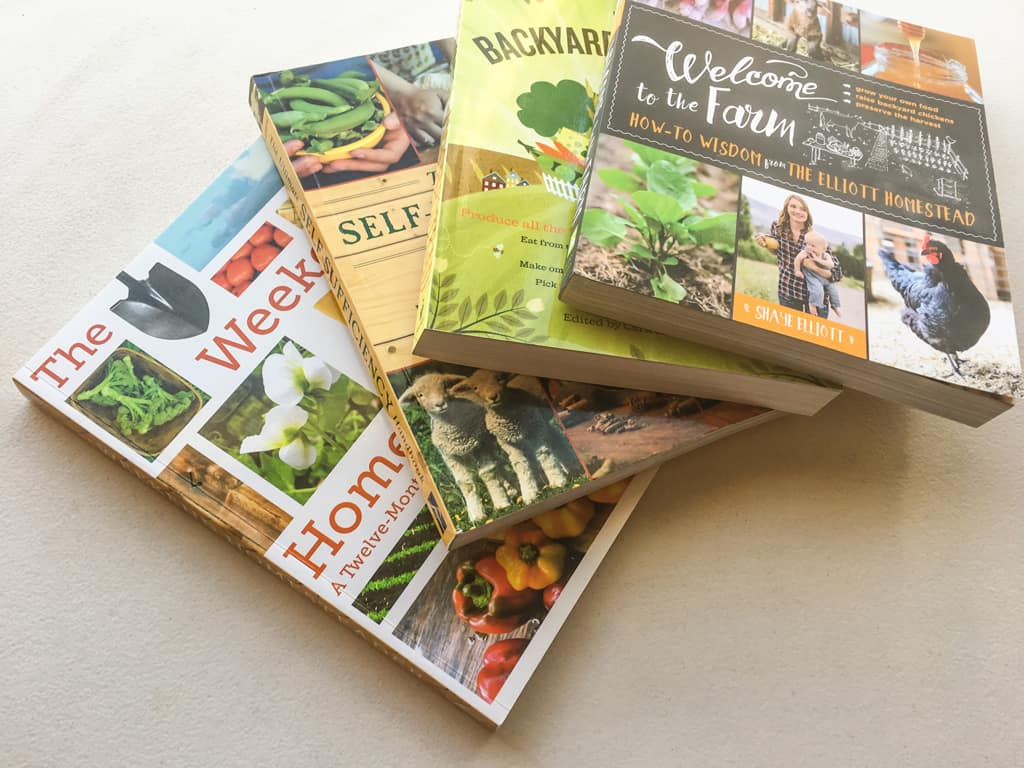 Do you love books? Enter the giveaway to win 4 awesome homesteading books to start your own homesteading library at your home! Giveaway | Homesteading Books | Home Library