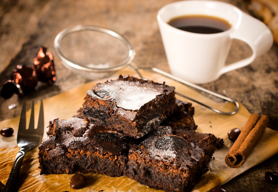 chocolate brownies and coffee