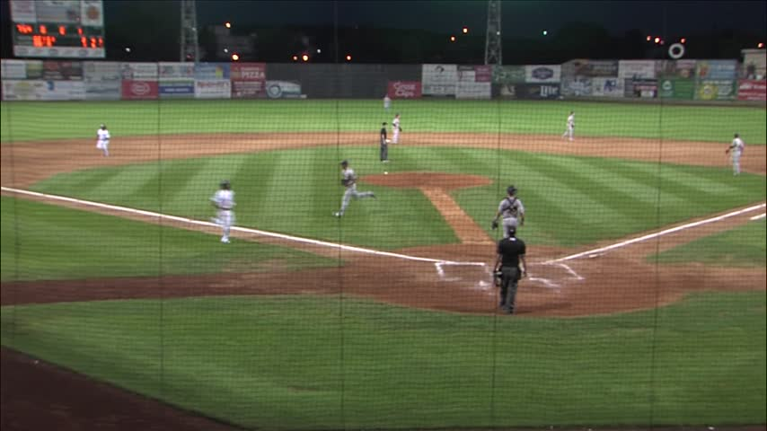 Clinton LumberKings win 84th game of the year- 5-4 over Bees_20160902040702
