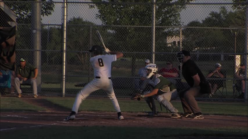 Bettendorf baseball sweeps Dubuque Hempstead